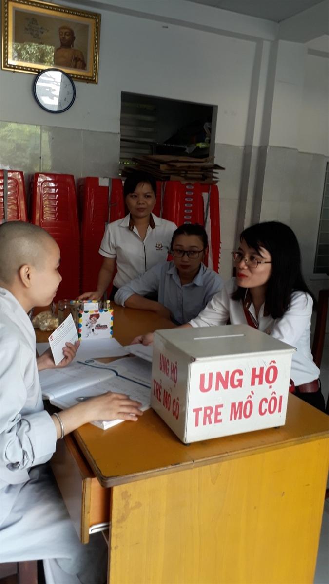 công ty ngôi sao từ thiện ở chùa Diệu Giác